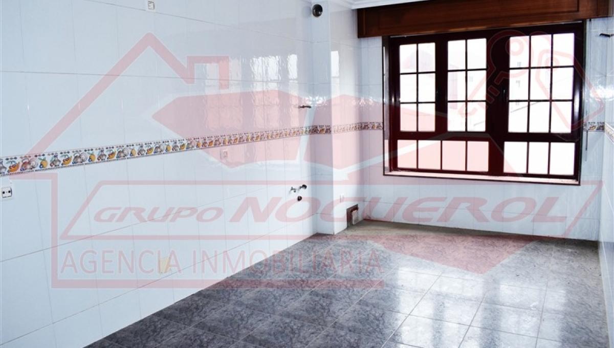 PISO / Zona Cuartel / Melide